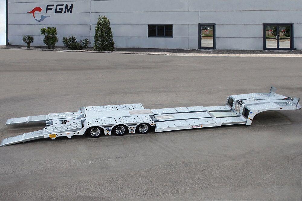 neuer FGM 32 Autotransporter Auflieger