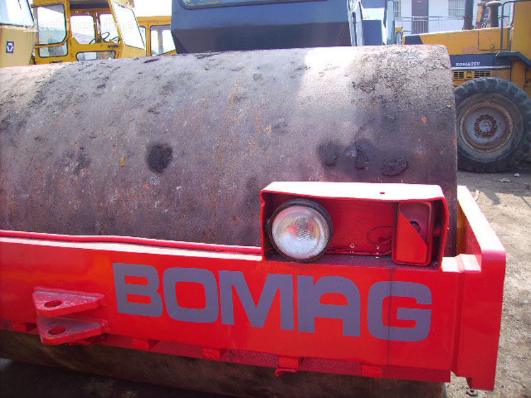 BOMAG BW213D Walzenzug