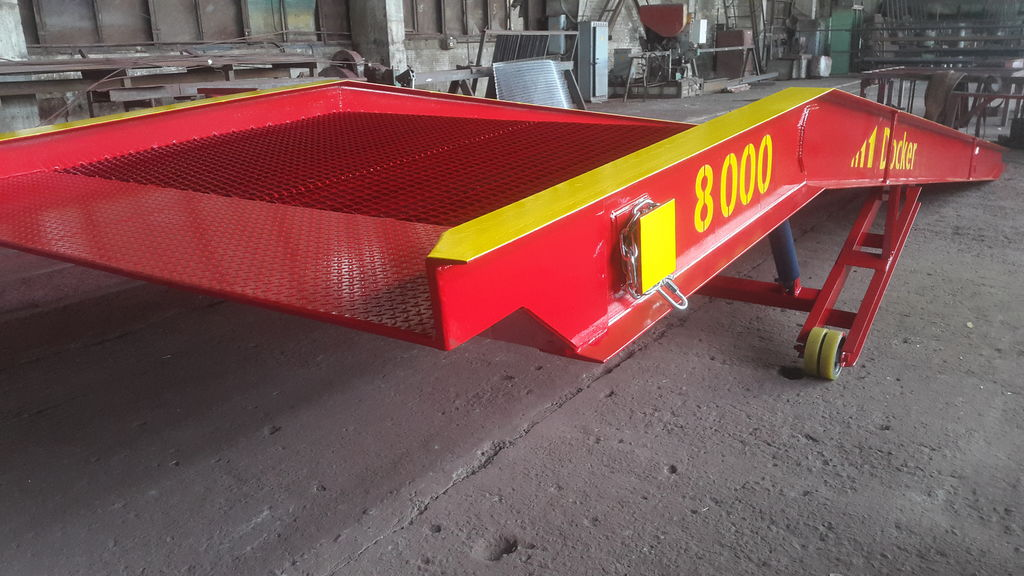 neue DOCKER Mobile loading ramp 8 tons 9 meters hydraulic RMG-21-90-8-U Mobile Verladerampe
