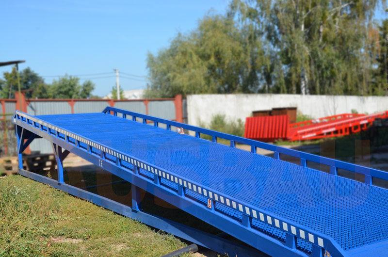 neue AUSBAU AUSBAU-ST Fixed ramp , Stacionarnaya rampa , Dock ramp , laadbrug mobile Verladerampe