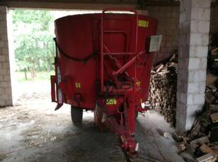 TRIOLIET Solomix 800 Futtermischwagen